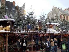 Ambiente en los mercadillos navideños de Brujas. Gracias por compartir Antonio José http://bedooin.com/es/mercadillos-navidad-bruselas-gante-brujas-belgica.html