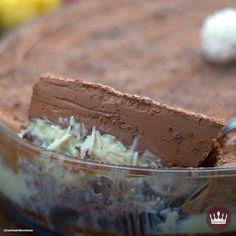 Bolo de Mousse de Prestígio no Prato - Bolos / Bolinhos / Biscoitos / Cupcakes - Fudge Recipes, Cake Recipes, Dessert Recipes, Tasty Videos, Food Videos, Mousse, Diy Food, Cooking Recipes, Cooking Time