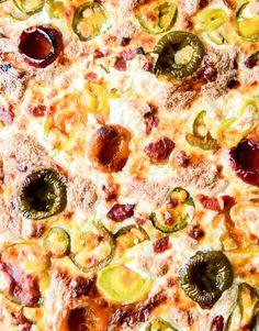 hot and sweet triple pepper pizza I howsweeteats.com