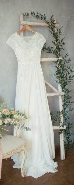 Boho wedding dress 'TEONA' / Bohemian Wedding Dress - The latest in Bohemian Fashion! These literally go viral!