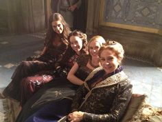 Caitlin Stasey (Kenna), Anna Popplewell (Lola), Celina Sinden (Greer) and Megan Follows (Queen Catherine) on the set of Reign!