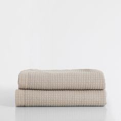 BEIGE LINEN-EDGED WASHED COTTON QUILT AND CUSHION COVER - Linen Collection - BEDROOM | Zara Home United Kingdom