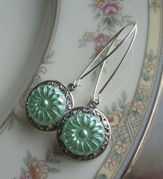 Mint-Julep-Vintage-Glass-Button-Earrings-Timeless-Trinkets ... beautiful ♥