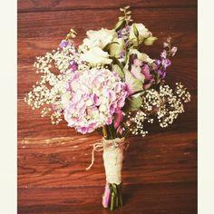 Paniculata + hortensias? Que combinación!!!!!! #ramo #novia #bride #flores #flowers #novios #wedding #boda #weddingday