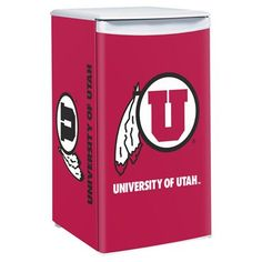 The Ultimate addition to the Die Hard Utes fan's game room! The Utah Utes 3.2 Cubic Feet Counter Height Fridge