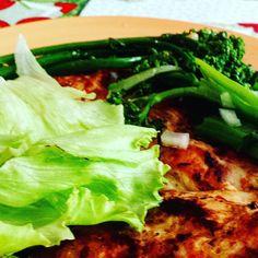 Almoço do dia 24: guardando os carbs para a ceia!  #senhortanquinho #paleo #paleobrasil #primal #lowcarb #lchf #semgluten #semlactose #cetogenica #keto #atkins #dieta #emagrecer #vidalowcarb #paleobr #comidadeverdade #saude #fit #fitness #estilodevida #lowcarbdieta #menoscarboidratos #baixocarbo #dietalchf #lchbrasil #dietalowcarb