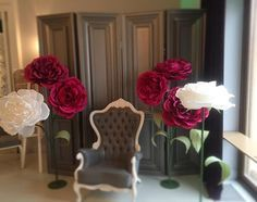 Фотозона... #paperflowers #giantpaperflowers #бумажныецветы #большиебумажныецветы #фотозона