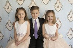 Photo from Easter Minis - Luke, Emma and Amelia collection by sitting in a tree photography