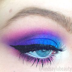 Urban Decay Electric Palette - lindsaylubeauty