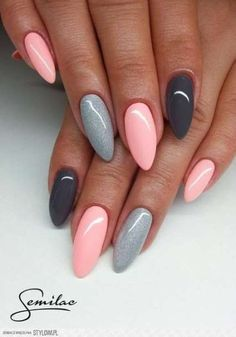 gelnägel natur rosa, lange spitze nägel, hellrosa in kombination mit grau You are in the right place about trendy nails Here we offer you the most bea Gray Nails, Love Nails, Matte Nails, Black Nails, Dusty Pink Nails, Best Nails, Blue Gel Nails, Pink Stiletto Nails, Matte Pink