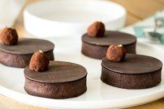 Une recette de tartelettes au chocolat et praliné croustillant que l'on doit à Sébastien Bouillet, pâtissier Lyonnais !