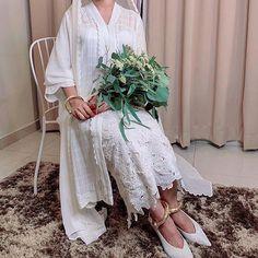 10 Stunning Dresses for Non-Traditional Brides Hijabi Wedding, Kebaya Wedding, Muslim Wedding Dresses, Bridal Wedding Dresses, Dream Wedding Dresses, Wedding Attire, Wedding Outfits, Wedding Bells, Malay Wedding Dress