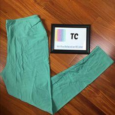 LuLaRoe TC Mint Colored Leggings Worn once. Washed according to instructions. EUC LuLaRoe Pants Leggings