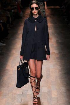 Valentino Spring 2015 Ready-to-Wear Fashion Show - Clémentine Deraedt (WOMEN)