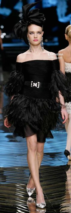 Valentino Black Ruffled Cocktail Dress and Hat --Collège LaSalle Tunis-- Valentino Couture, Valentino Women, Valentino Garavani, Valentino Black, Fendi, Gucci, Vogue Fashion, Runway Fashion, Fashion Outfits