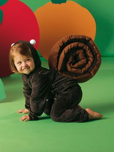 the squirrel or a snail - some free costume patterns for kids and adults Snail Costume, Squirrel Costume, Halloween Sewing Projects, Halloween Diy, Halloween Costumes, Carnaval Kids, Carnival Costumes, Adult Costumes, Costumes Kids