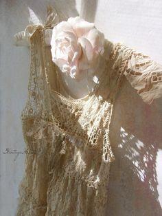 Vintage Crochet Lace Boho Dress * Rustic Prairie Wedding Bridesmaid Dress * Ecru Tea Stained * Altered Shabby Brocante Fashion * Size Small