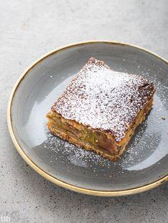 Ciasto rabarbarowe z budyniem kokosowym rabarbar wegańskie, bezglutenowe, bez cukru