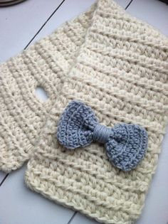 Crochet Toddler Bow Scarf Tutorial from PINspiration Knit Scarf - Part 1 So you're saying this isn't for adults? Bonnet Crochet, Crochet Bows, Chunky Crochet, Love Crochet, Crochet Scarves, Beautiful Crochet, Crochet Crafts, Crochet Clothes, Crochet Projects