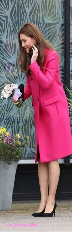 It was only a few months ago that Kate Middleton stepped out in New York wearing her hot-pink Mulberry coat, brightening our day with her bold new style.  March 27, 2015