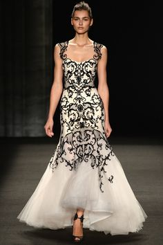 Monique Lhuillier Dress mit Spitzenapplikation