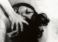 "hiroshi teshigahara's 1964 film adaptation of kôbô abe's novel, ""the woman in the dunes"" British Journal Of Photography, Japanese Photography, Night Pictures, Couple Pictures, Couple Photography, Art Photography, Arte Horror, Film Stills, Erotic Art"