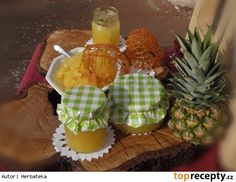 Ananasová přesnídavka s karamelem
