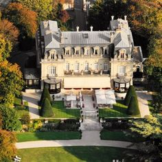 24 Hours of luxury in Champagne, France: Les Crayères castle