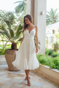 Civil Wedding Dresses, Grad Dresses, Wedding Suits, Dress Outfits, Wedding Gowns, Evening Dresses, Simple White Dress, Cute White Dress, Lovely Dresses