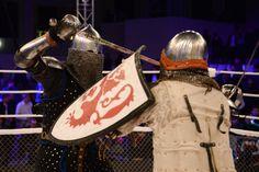 Conheça+o+M-1+Medieval,+um+esporte+que+mistura+UFC+com+luta+Medieval
