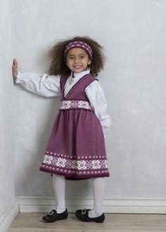 Astrid Festdrakt - Viking of Norway Baby Girl Dresses, Flower Girl Dresses, Crochet Baby, Knit Crochet, Baby Barn, Vikings, Dress Skirt, Knitting Patterns, Baby Kids