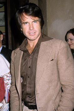 10 things we learned about Warren Beatty's Howard Hughes movie Warren Beatty, Hot Actors, Actors & Actresses, Historical Hairstyles, Howard Hughes, Hooray For Hollywood, Vintage Hollywood, Classic Hollywood, Jack Nicholson