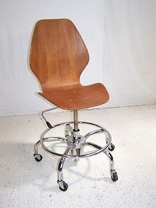 "Vintage westnofa bent ply teak swivel office chair Oivind iversen ""City ""chair on chrome swivel base from norway some instock Swivel Office Chair, Office Desk, Vintage Designs, Retro Vintage, Cool Desk Chairs, Modern Chairs, Teak, Chrome, Sweet Home"