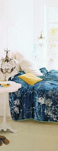 Carolyn Quartermaine bed 2 Trouvais