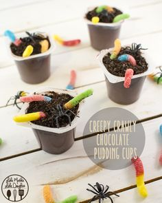 Creepy Crawly Dirt Puddings - These make the perfect and easy Halloween treat