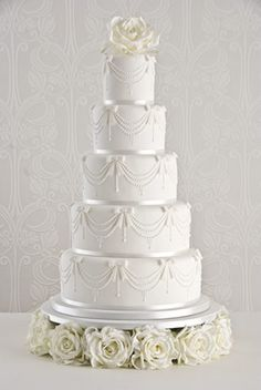 White wedding from the Cake Boss