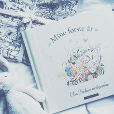 softgallery_cappelendamm_barnebøker_myagency Elsa, Dreams, Cover, Books, Libros, Book, Blanket, Book Illustrations, Jelsa