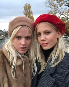 7 Date-Night Makeup Products French Girls Use All the Time Beret Outfit, Gypsy, Date Night Makeup, Michaela, Paris Chic, Estilo Boho, French Girls, Outfits With Hats, Belleza Natural