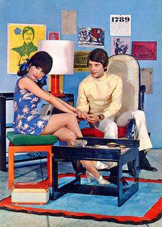 via psychedelic-sixties Sixties Fashion, Mod Fashion, Vintage Fashion, Fashion Decor, Retro Pop, Retro Chic, Vintage Barbie, Vintage Ads, Kitsch