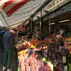 1000things.at präsentiert euch den ersten Teil eines Überblicks über Wiens schönste Märkte, die auf euren Besuch warten. Restaurant Bar, Budapest, Heart Of Europe, Farmers Market, Vienna, Ethnic Recipes, Frankfurt, Instagram, Sailing