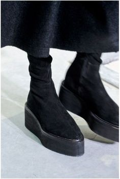 Damir Doma, Shoe Boots, Ankle Boots, Mode Shoes, Style Grunge, Paris Mode, Minimalist Shoes, Mode Outfits, Shoe Game