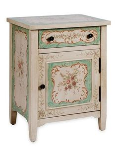Based on antiques from Shabby Chic creator Rachel Ashwell's personal collection, this beautifully hand-painted piece will give your bedroom a vintage, out-of-a-storybook look.