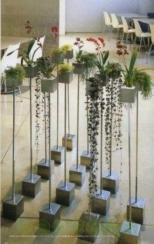 planting stand Rebar in cement might be something to create - Tillandsie - Orchidee Cement Art, Concrete Pots, Concrete Crafts, Concrete Projects, Concrete Design, Concrete Planters, Concrete Ring, Papercrete, Concrete Furniture