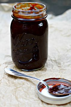 Homemade Kansas City-Style BBQ Sauce Recipe ~ Excellent! #masonjars #masonjarcraftslove