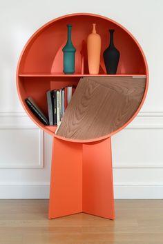 Une bibliothèque design et singulière pour les livres
