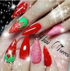 Nuni Torres strawberry nails