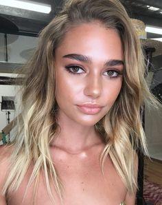 Pinterest: DEBORAHPRAHA ♥️ glowy makeup look perfect for summer