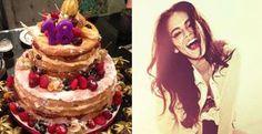 Bruna Marquezine ganhou um naked cake na festa de aniversário. Veja o bolo! - O naked cake - ou bolo pelado - se tornou tendência em casamentos, mas também pode ser usado em festas de aniversário. Com recheio aparente e decoração de frutas frescas, o bolo de Bruna Marquezine era um charme! Veja dicas para escolher o seu
