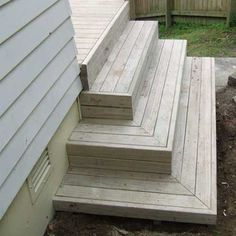 best deck stair design | All images / content are copyright Deckreation 2011 #backyarddeckdesigns #deckbuildinghacks