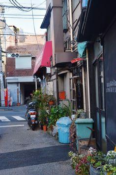 "tokyogems: ""strolling around yanesen. 谷根千でぶらぶら。 """